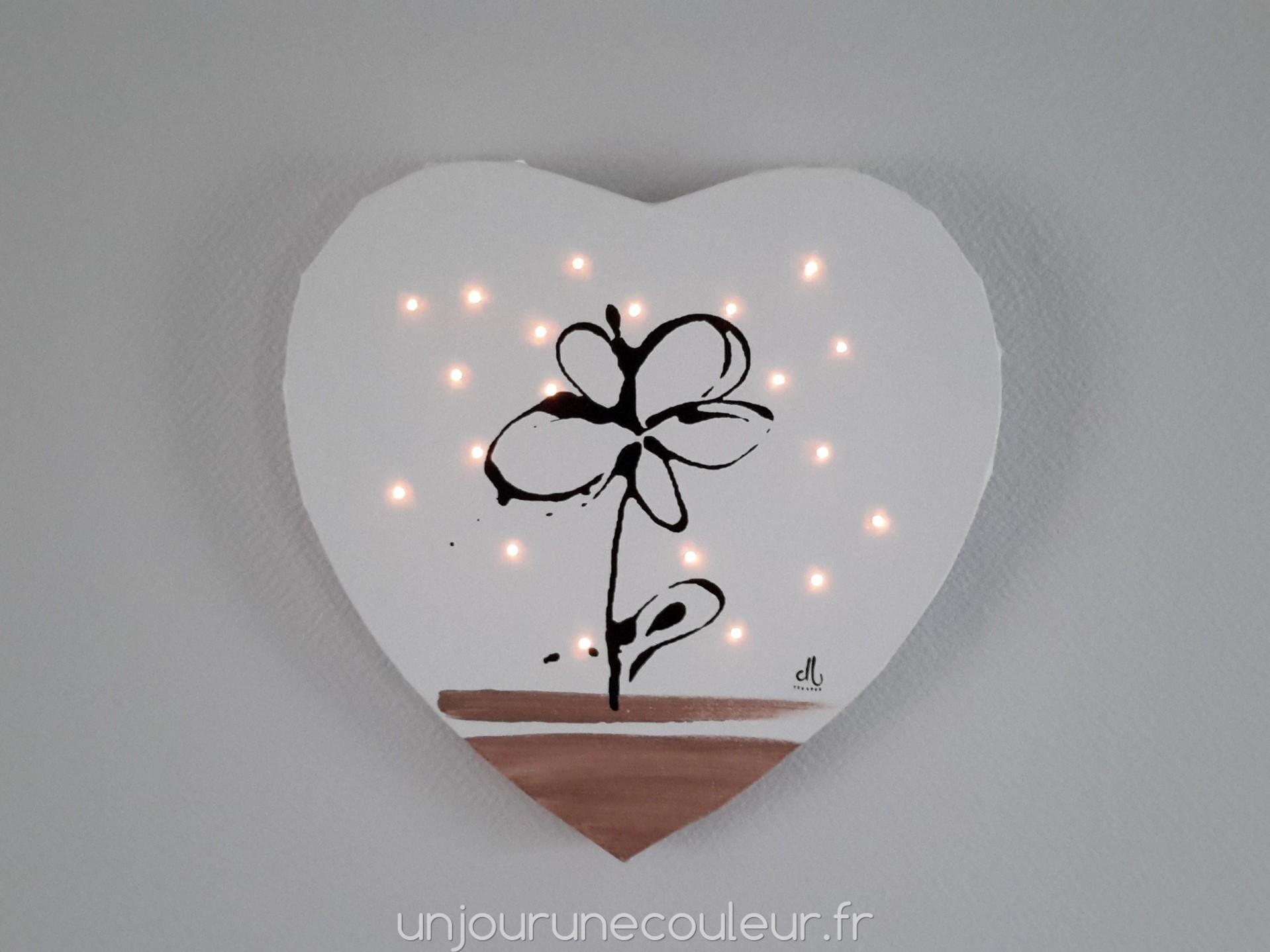 Tableau lumineux en forme de c ur fleur noir blanc et - Fleur au coeur noir ...
