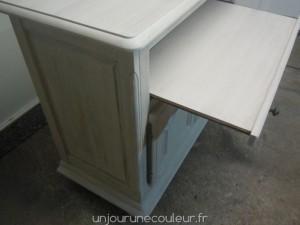 Plateau tiroir d'un meuble peint à l'essuyé
