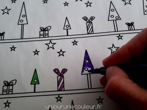 Emballage cadeau à colorier feutre crayon