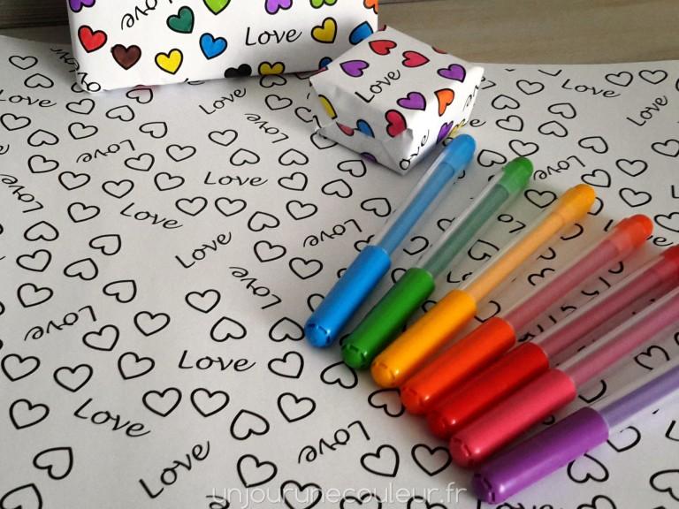 papier cadeau à colorier Saint-Valentin