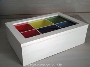 Boîte à thé sage et colorée