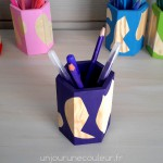 Joli pot à crayons peint à la main violet