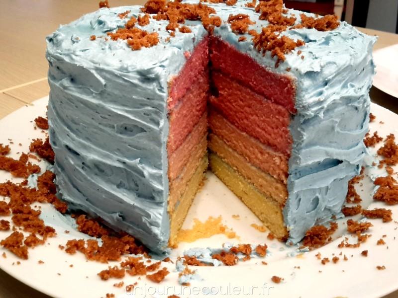 Chiffon-cake arc-en-ciel