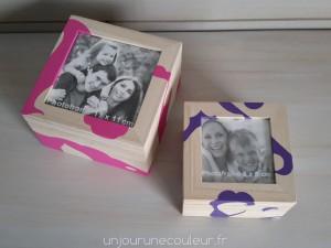 un cadre photo et une boite en un objet