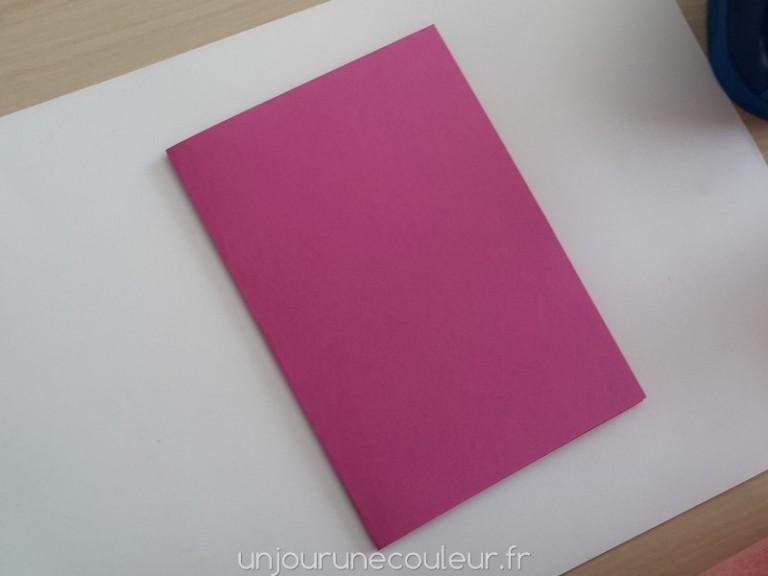 Carton coloré pour réaliser une carte d'invitation