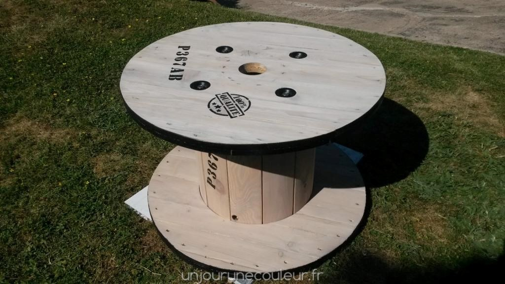 Transformer Un Touret En Table De Jardin. Table En Touret Drum Table ...