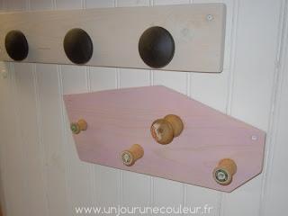Patère de couturière, bobines anciennes en bois