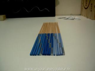 Décoration en bois bleu
