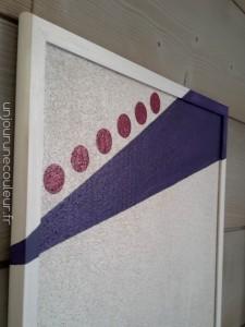 Panneau de liège peint rose et violet