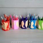 Pots à crayons peints à la main