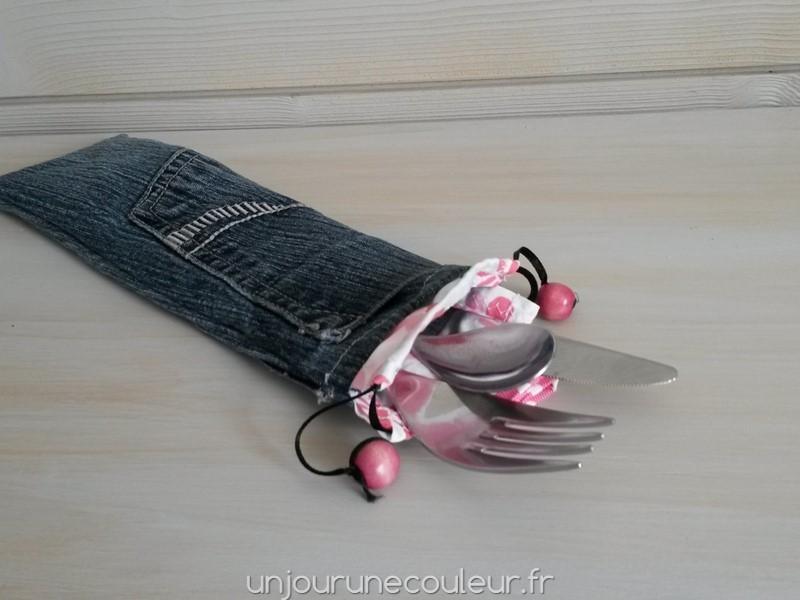 Pochette à couverts en jean