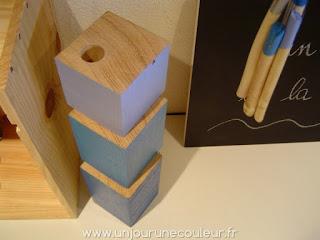 Bougeoirs cubes en bois recyclé peint