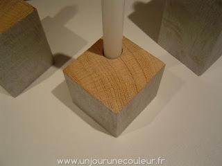 Bougeoirs cubes en bois recyclé brut et peint